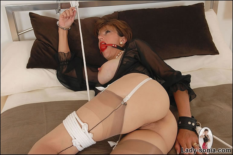 Two sons penetrate mother video
