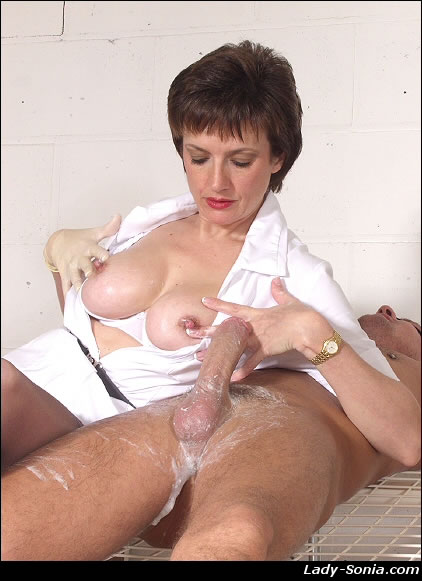 Lady Sonia Cfnm : Porn Videos at PussySpacecom